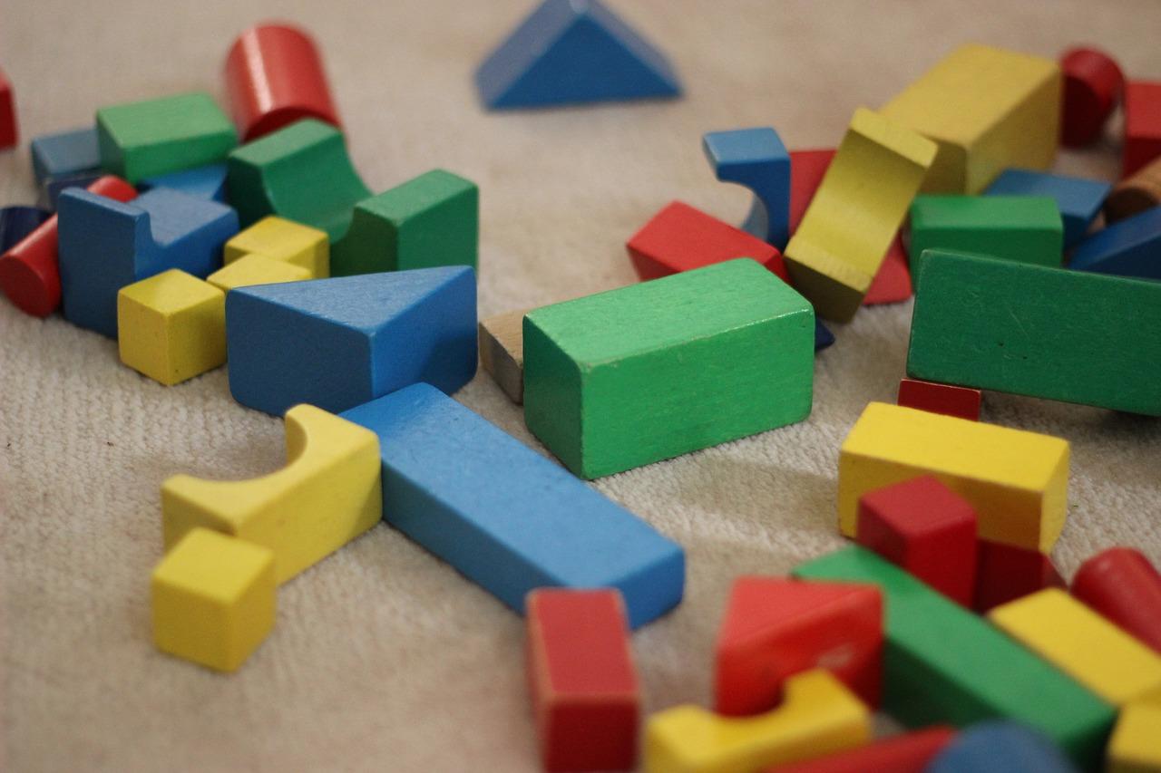 Holzspielzeug Bauklötze